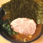 横浜ラーメン 福家 - メイン写真: