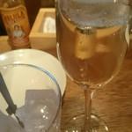 66741584 - スペインのスパークリングワイン×氷