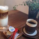 カプリ コーヒー ビーンズ - アイスカフェラテとコーヒー
