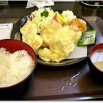 菊一商店 - 料理写真:ほっき天ぷら定食 700円ここでしか食べられない?