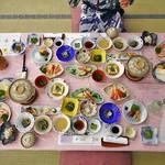 凌雲閣 - 料理写真:夕食(はじめに並んでいた料理)