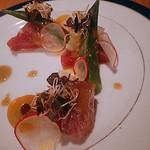 YPSILON Aoyama - 初鰹とグレープフルーツのカルパッチョ
