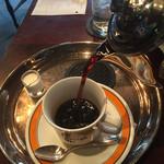 宮越屋珈琲 - コーヒーポットには2杯分入ってるんです