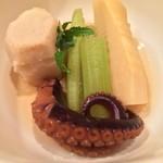 66750083 - 飯蛸と筍の煮物