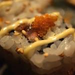 すしBAR - サーモンとさんまのロール寿司