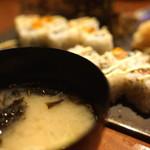 すしBAR - ふのり味噌汁とロール寿司