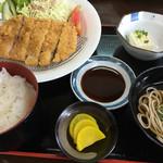 神宮前茶屋 - 料理写真:黒豚カツ定食