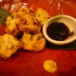 魚と日本のお酒 むく - 蛸と三つ葉の手作りさつま揚げ