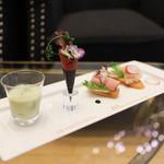 ストリングス ラウンジ - 枝豆のポタージュ・ブーケサラダ・パストラミビーフのオープンサンド・えびとクリームチーズのオープンサンド☆