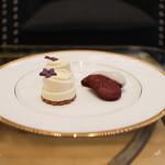 ストリングス ラウンジ - 3段目 プチウェディングケーキ・レッドベルベットクッキー☆