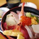 大津漁協直営市場食堂 - 海鮮丼