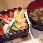 ふらの 海の花 - ランチ生散らし750円 みそ椀、茶碗蒸し、珈琲付