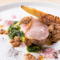 トアヒス - スペシャリテの一つ! メインの肉料理『仔豚・黒豚』