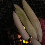 河伯菜館 - 島でとれた葱も。