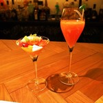 フィナンシェ - 4月のデザートコース(トマト畑の小さなお客様、カンパリとブラッドオレンジのシャンパンカクテル ライムの香り)