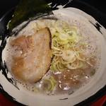 一刀竜 - 魚介豚骨:600円