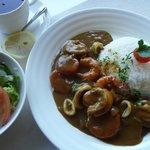 プティ・ポワル - 料理写真:カレーとサラダセット+紅茶(2011/02/04撮影)