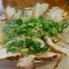 ザ・ラーメン - 料理写真:すごい量でしょ?チャーシュー麺900円