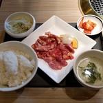 焼肉 徳寿 - 料理写真:ジンギスカンセット(864円)