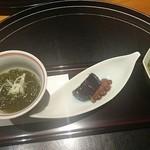 割烹 藪下 - 料理写真:もずく酢、煮蛸、茄子、わさびの先付け