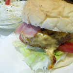 のらくろ - 肉厚の肉が、ハンバーガーに