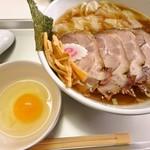 平尾大勝軒 五一 - 料理写真:チャーシューワンタン小盛り麺に卵!