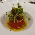ビストロ ダイア - コリアンダー風味の蟹が入ったフルーツトマトにアサリのソース