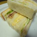 のらくろ - サンドイッチの重なっているところ