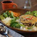 バックヤード カフェ - 川越のブランド肉 小江戸黒豚を使ったロコモコ風 「小江丼」