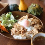 バックヤード カフェ - 埼玉県のブランド肉 むさし麦豚を使った豚丼
