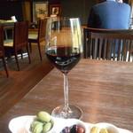 ジャズ オリンパス! - 赤ワインとオリーブ、ピクルス