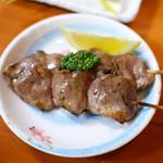 肴とお酒 うえだ - 大山鶏のハツ(1本)¥130