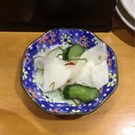 鈴女 - 銚子丼に付いてくる漬物
