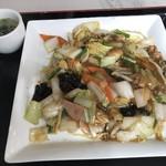 一楽亭 - あんかけ焼きそば醤油味(840円)