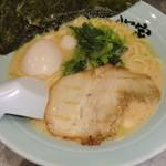 魂心家 - 味玉ラーメン(半麺・麺固め)