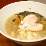 麺鯉 - 背脂煮干しラーメン(醤油)750円