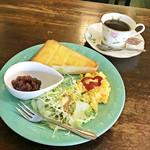 カフェ ガーク - モーニングサービス / ブレンドコーヒー