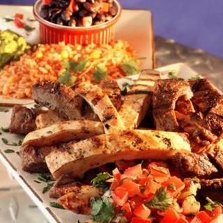 スパイスの効いたメキシカン料理をご用意しております!