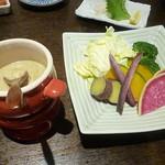 鮪ともつ焼き shigi36 - 季節野菜のバーニャカウダ2017.5月