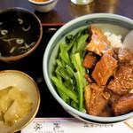 66819210 - 牛ばらご飯 750円