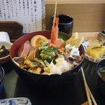6682303 - まかない丼1000円