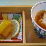 レストラン 瀬音 - 湯葉の刺身とホタテフライ