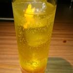 66832193 - マリンタワー・ゴーゴー。オレンジピールでできたヨコワケハンサムな剣さん見えますか?