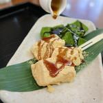緑茶処両国茶ら良 - 二色のわらび餅