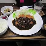 津のものキッチン - 味噌かつ定食
