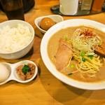麺屋 極鶏 - 極鶏 鶏だく & 玉子かけご飯 & 味玉