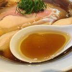 ラーメン屋 トイ・ボックス - 「鶏と水」だけのスープ