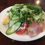 66850791 - たっぷり野菜とハムサラダ