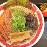 麺屋 八頭龍 - 料理写真:八頭龍らーめん(大盛)