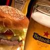 ティンズホール - 料理写真:チーズバーガー